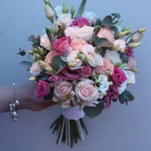 Пудрово-розовый свадебный букет