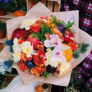 Осенний фруктовый букет