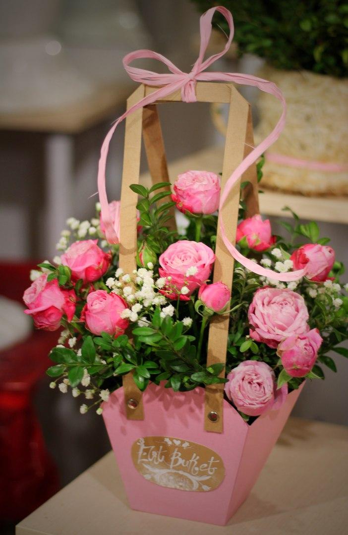 ad7709604d1d Маленькая сумочка с пионовидными розами «Леди бомбастик»