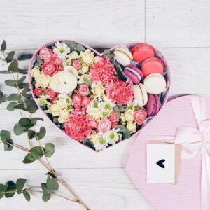 Коробочка с печеньем сердце в нежных тонах