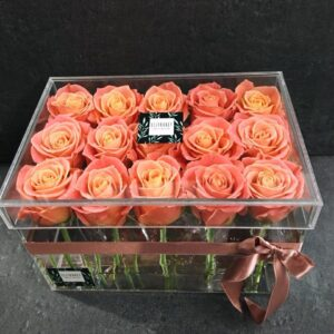 Прозрачный боксиз 15 персиковых роз
