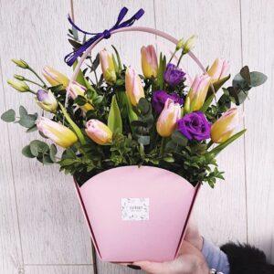 Сумочка с нежными тюльпанами
