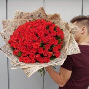 Букет из 101 алой розы Эльторо