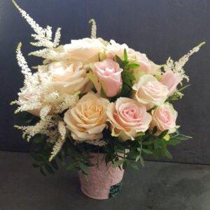 Ведерко с розами