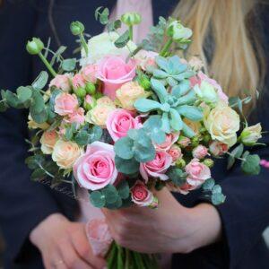 Розово-персиковый букет с эхиверией