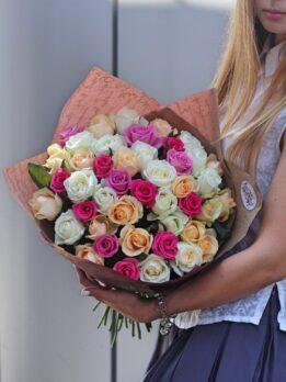 #цветыхарьков #розахарьков #букетыхарьков #элитбукет #цветы #флористика #букет #композиция#коробка#белые#свадьба#инстаграм#разноцветный
