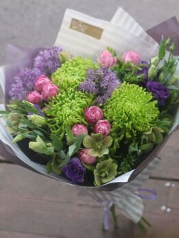 Букет из зеленых хризантем