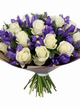 Букет из ирисов и белых роз