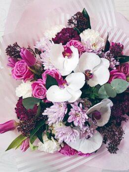Букет с орхидей фаленопсис в розовых тонах