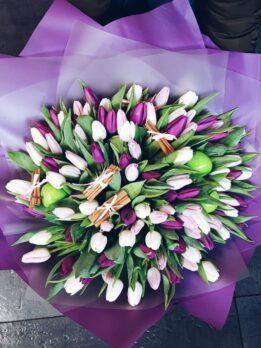 Нежный букет из 101 тюльпана
